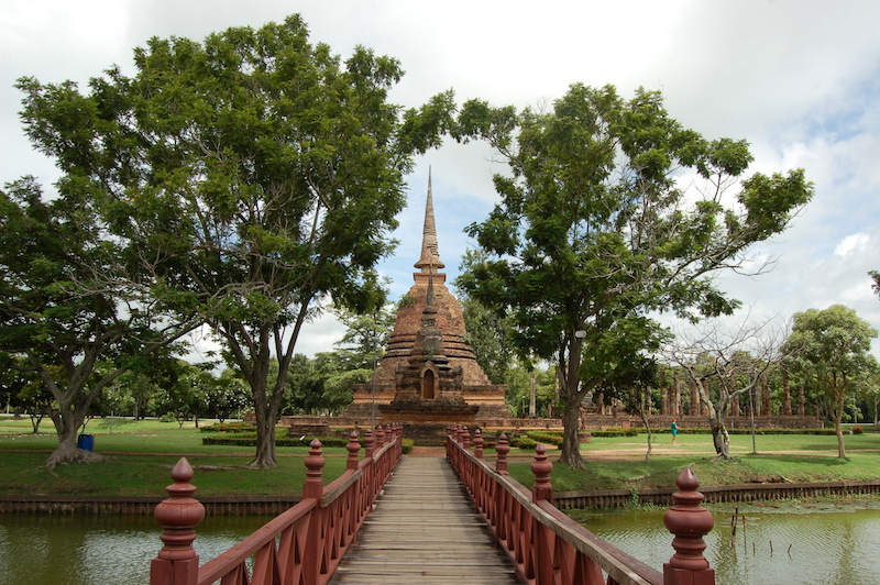 temple in sukhothai